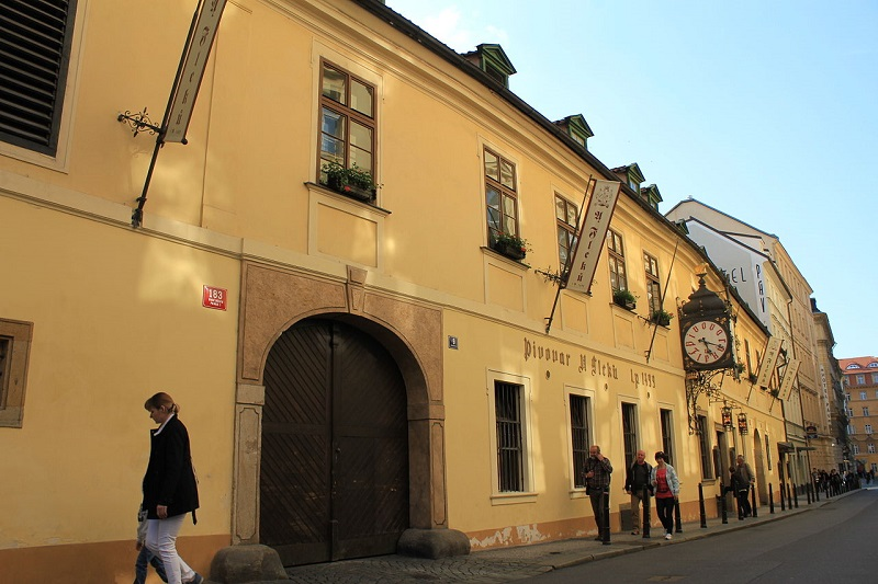 Things to eat in Prague: best bars and pubs